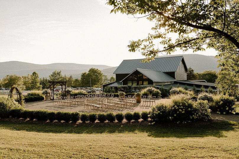 carston gorgeous ceremony barn view 51 982841 160960301910917