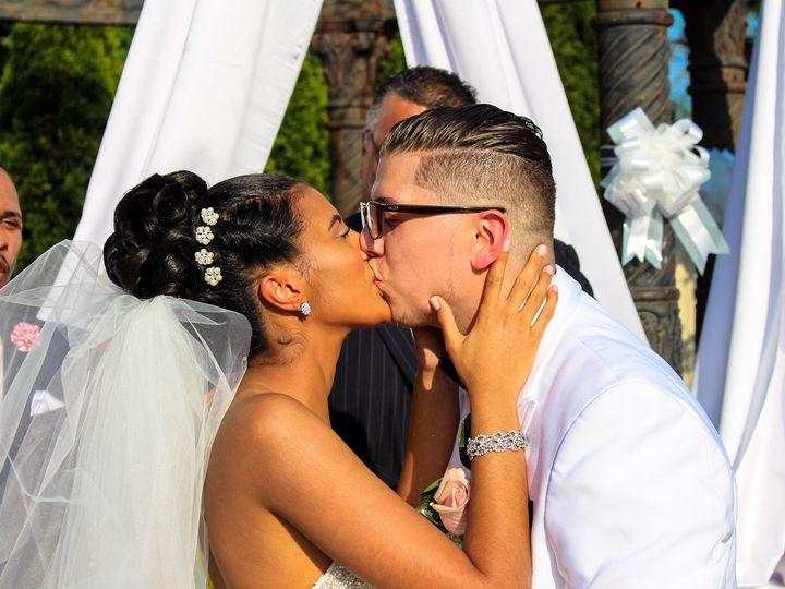Tmx First Kiss 51 1343841 162202898919714 Caldwell, NJ wedding planner
