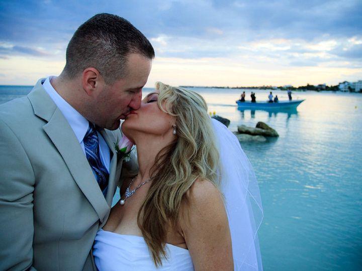 Tmx 1433475259716 Bride And Groom Blue Kiss 2 Resized Austin wedding travel