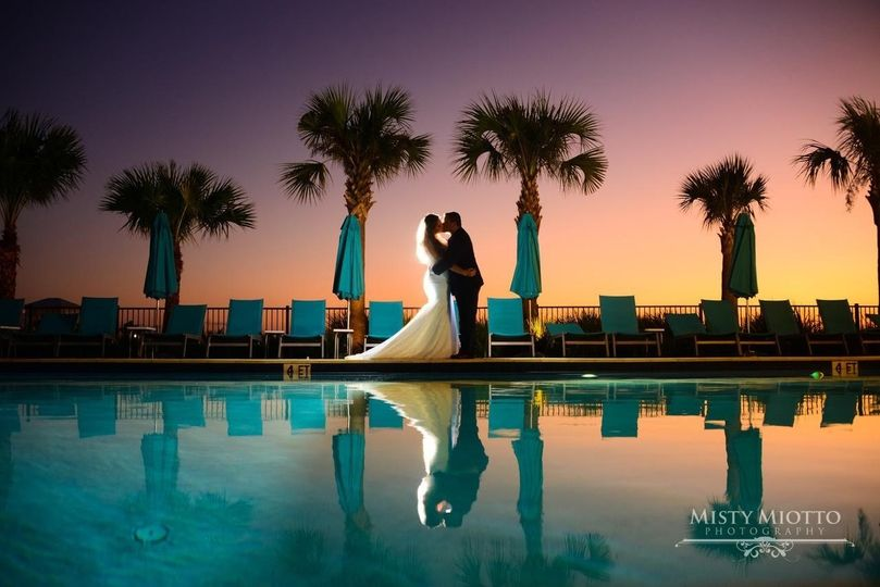 mararitaville wedding pool photo 51 990941 158584733014438