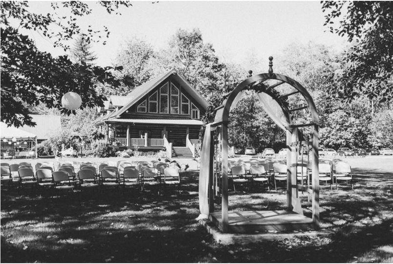 Chairs & arch provided