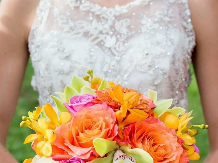 Tmx 1458158626 4c4f3f866f147808 11919554 743899139070551 7159840406407996529 N Manchester, New Hampshire wedding florist