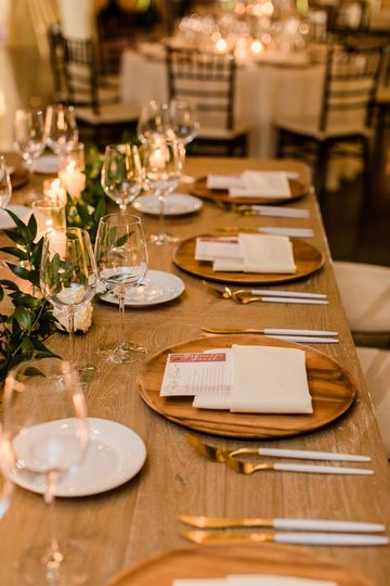 Classic + timeless tablescape