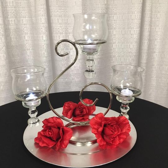 Romantic Red Table. Centerpiece. Indiana Weddings. #Cincinnati Weddings....