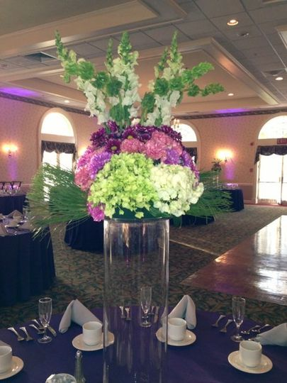 After the reception, bride donated these lovely centerpieces to the local nursing home in the area.
