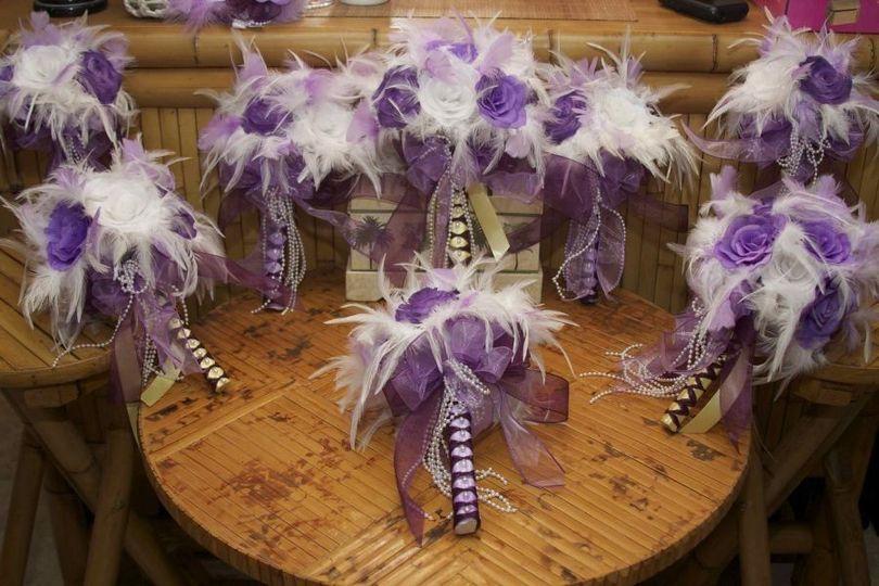 fb8676e5b7259c09 1371614475923 25 piece whimsical handmade rose wedding bouquet