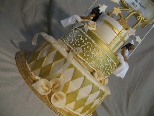 Tri Gold Tiered Cakes