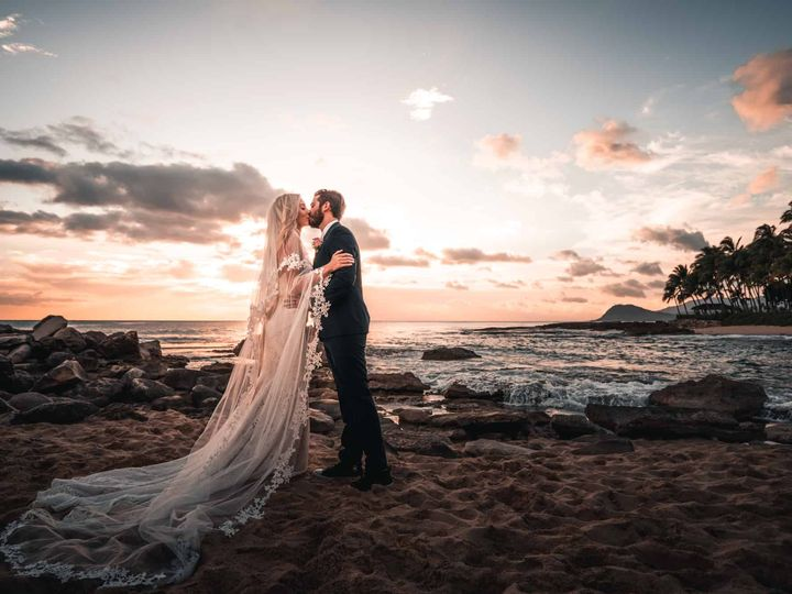 Tmx Hawaii Elopement Photographer Destination Wedding Photographer Elopement Photographer 6 Of 12 51 1886051 159667535696857 Pleasant Prairie, WI wedding videography