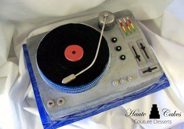 DJ Turntable Groom cake