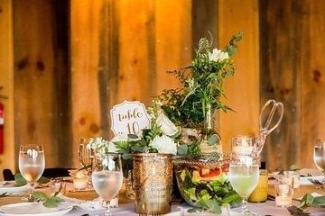 Floral table arrangements