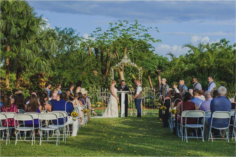 e069e4ac6ff0bdc4 1512497801603 floras garden venue sunflowers country wedding o