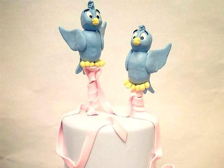 Tmx 23659290 906043509546658 383357178138687589 N 51 769051 V1 Fair Oaks, CA wedding cake
