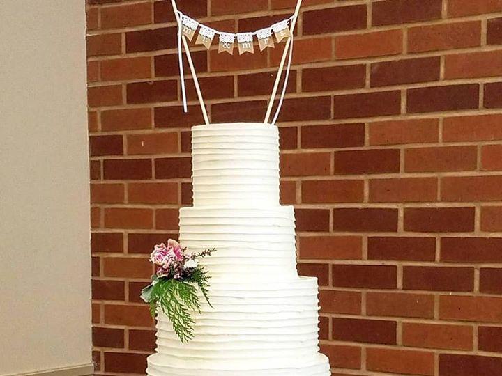 Tmx 29695127 981085478709127 8011355087037548295 N 51 769051 V1 Fair Oaks, CA wedding cake