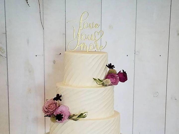 Tmx 33599516 1010120275805647 4959097685253554176 N 51 769051 V1 Fair Oaks, CA wedding cake