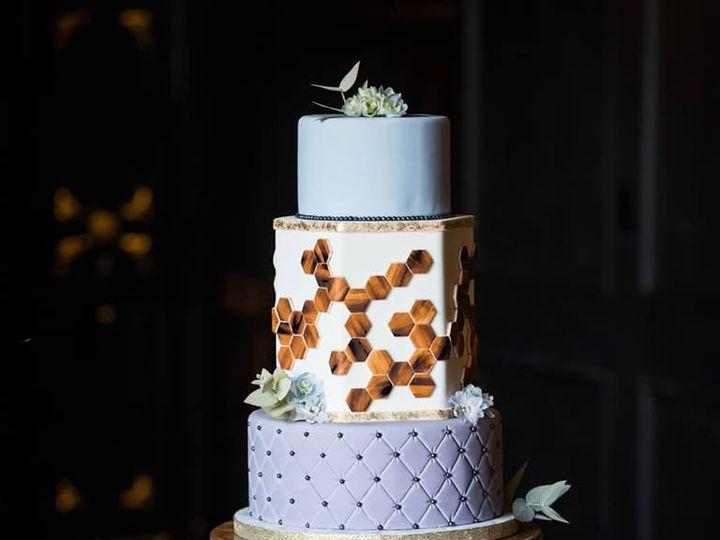 Tmx 33776673 1011000289050979 5433986219102961664 N 51 769051 V1 Fair Oaks, CA wedding cake