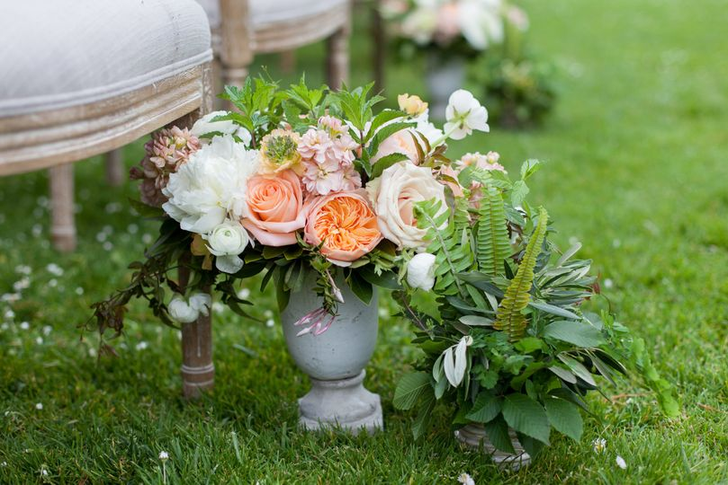 Wedding ceremony arrangement