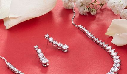 Griselle, Independent Consultant, Touchstone Crystal by Swarovski