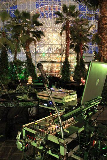 Polish American DJ service in Chicago.