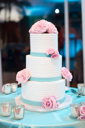 A Cake Life Wedding Cake Honolulu Hi Weddingwire