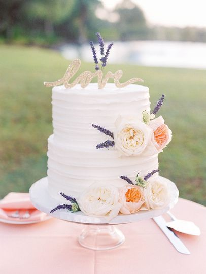 Hawaii five 0 wedding cakes