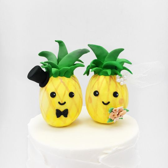A Cake Life Wedding Cake Honolulu HI WeddingWire - Pineapple Wedding Cake