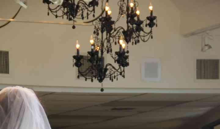Della Curva (Plus-Size Bridal Salon)