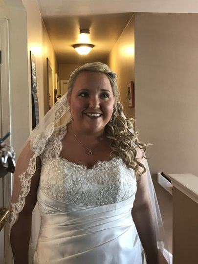 Happy bride - 💇🏼♀️ By Candace 💄by Abby