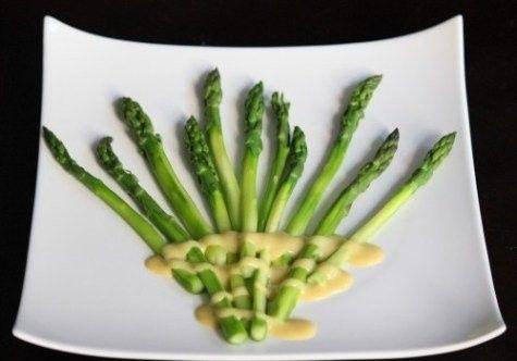 Asparagus with Hazelnut Mustard Sauce