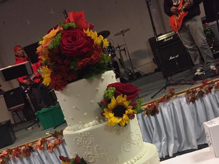 Tmx 1503954960511 14907107101546535236294418093965017550382930n Dracut, Massachusetts wedding cake