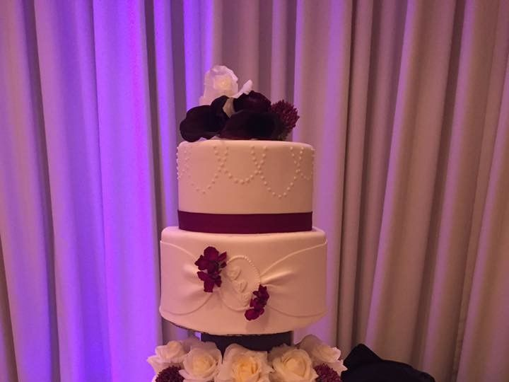 Tmx 1503954992221 1524191510154763229764441580796747252232066n Dracut, Massachusetts wedding cake