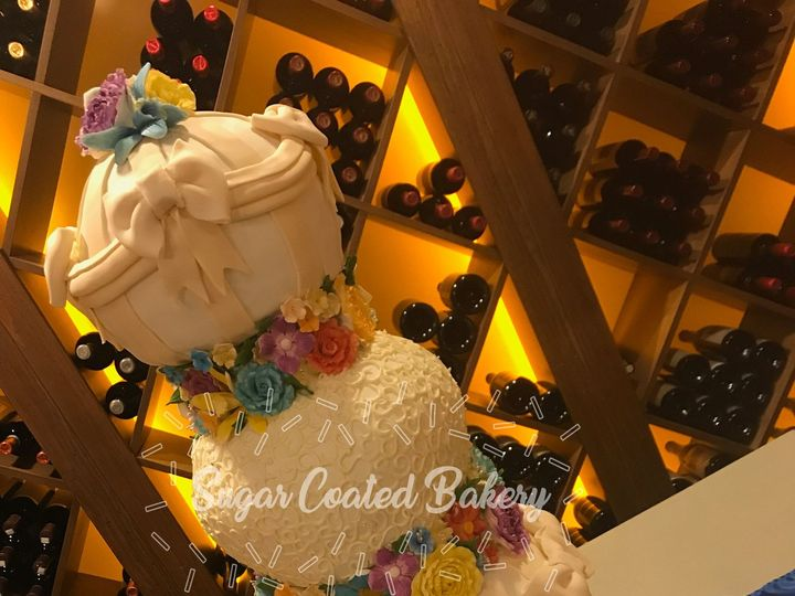 Tmx 1516217913 C7f24e357aee51a7 1516217909 Ebd47a6df26b9d25 1516217857696 27 Rainbow Wedding C Dracut, Massachusetts wedding cake