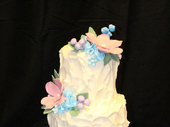 Tmx 1516217937 0582eeed4b7c4ba3 1516217933 F0a87f0907b623ba 1516217857705 42 Texture Frosted W Dracut, Massachusetts wedding cake