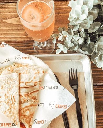 Crepe + champagne mimosa