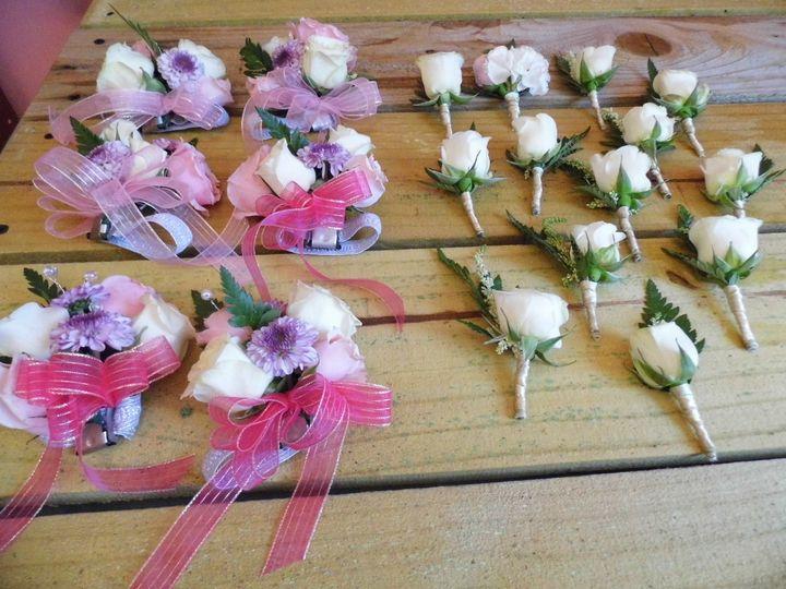 Tmx 1520824925 Eb691ac2bc5a9b4c 1520824922 9b0f45b6869470af 1520824916742 1 280 Travelers Rest, SC wedding florist