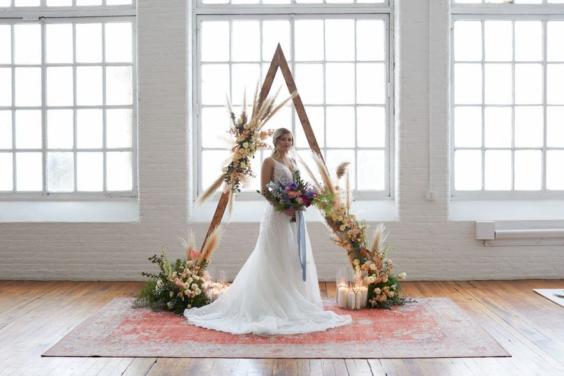 Bride with Triangle Structure