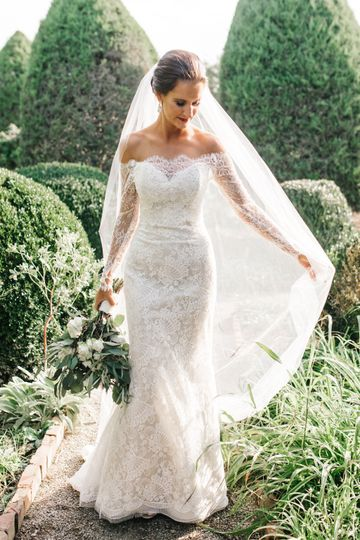 Bride in lace long sleeve gown