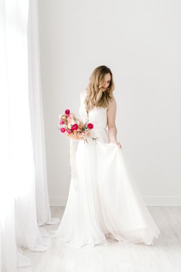 Gorgeous and simple gown!