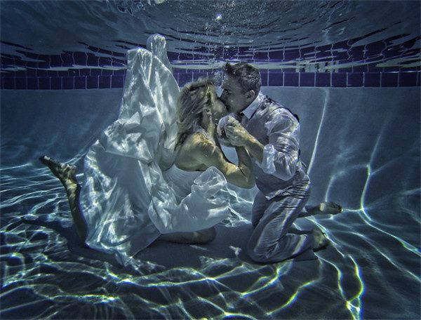 underwaterweddingphotography