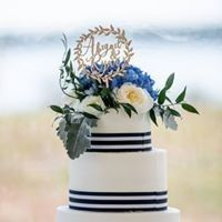 Tmx Abby And Ryan Cake 51 781251 1559305226 Bangor, ME wedding planner