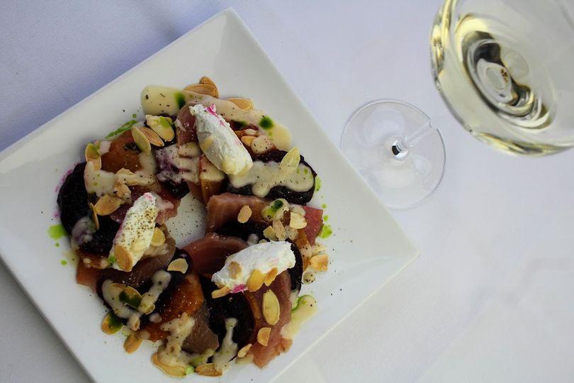 Beet & goat cheese salad