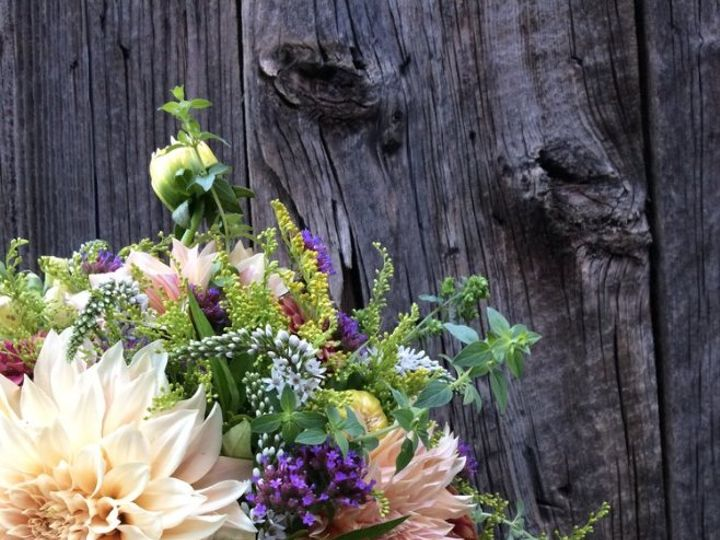 Tmx Screen Shot 2019 03 13 At 9 02 57 Pm 51 1053251 Santa Cruz, CA wedding florist