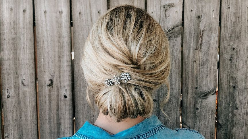 Precise and smooth updo