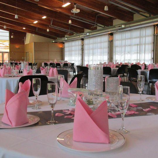 Pink napkins.