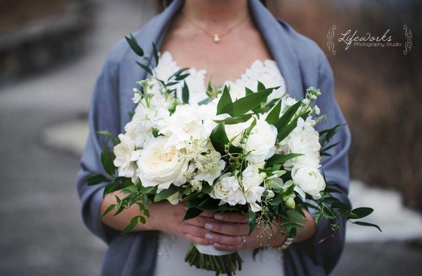 bridal bouquet beth close uo 51 1025251 v2