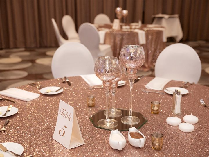 Tmx Sparkle Linen Up Upgraded Centerpiece 51 925251 1564493854 Avon, OH wedding venue