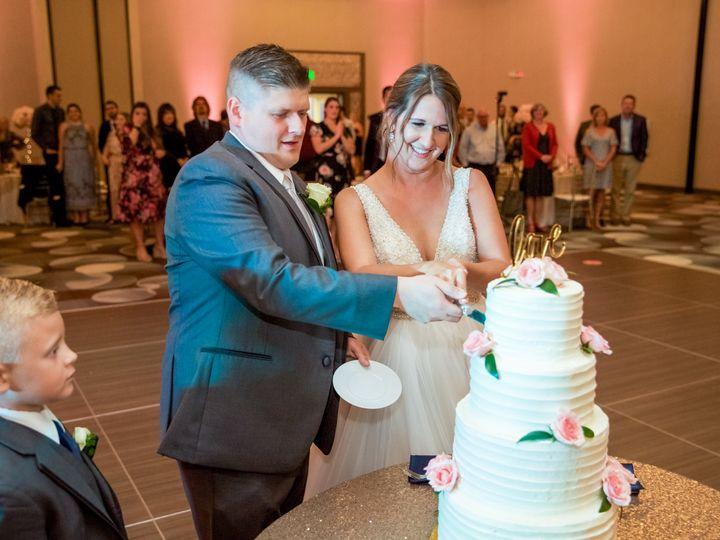 Tmx Zk Wedding Cake Cutting 51 925251 160088297419748 Avon, OH wedding venue