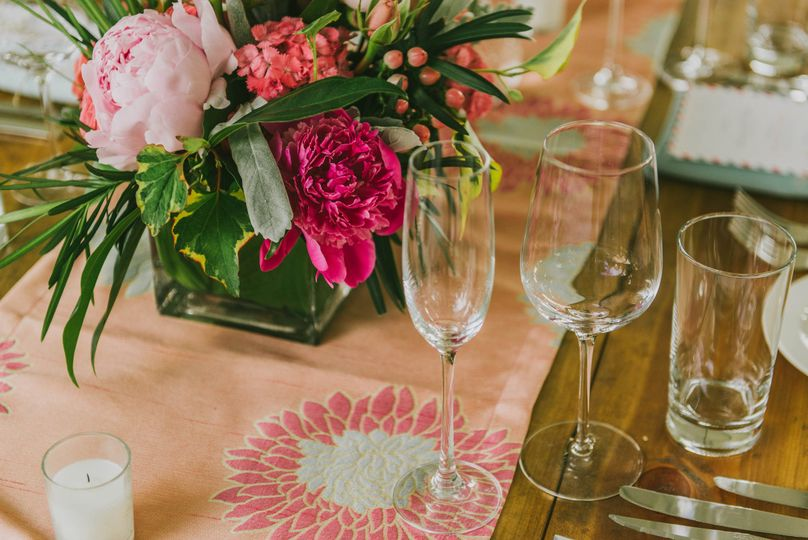 Beautiful Tables from Amy Kate Designs and linens (love, love) by BBJ
