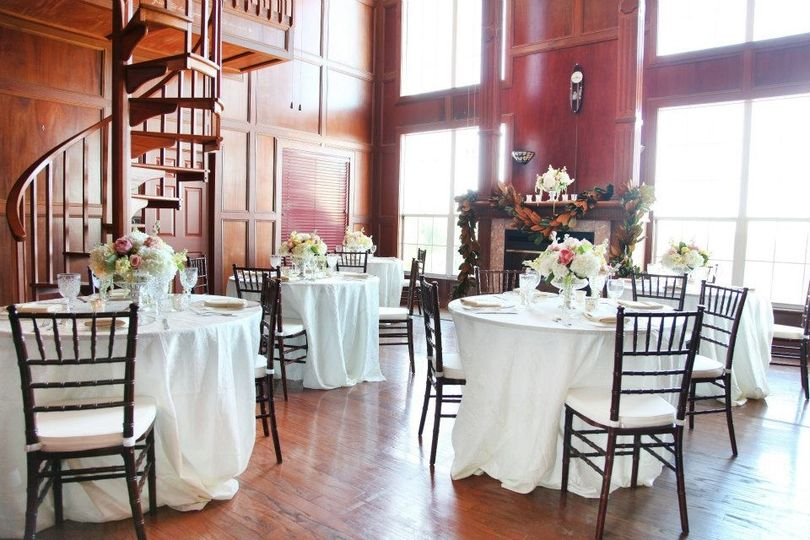 Romantic reception seating in our beautiful library.