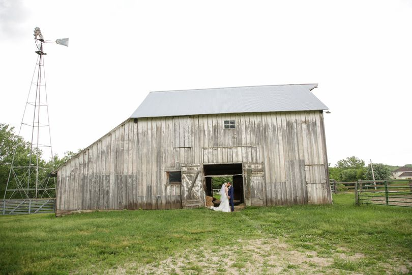 Prairie Moon Winery Wedding near Ames, Iowa by Thisday Photography
