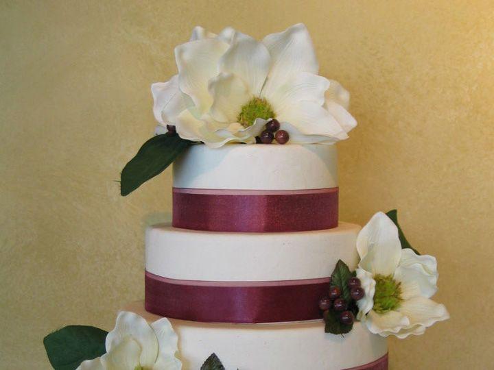 Tmx 1529615588 878106134df29f62 1529615587 Dc9f35f3d64b7b61 1529615582064 8 Image15 Louisville wedding cake